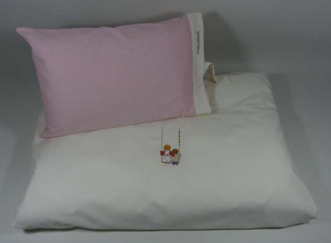 Bettwäsche mit Motiv, Kissen in blau oder rosa gestreift